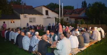 Halal-iftar-na-otvorenom. Sisak