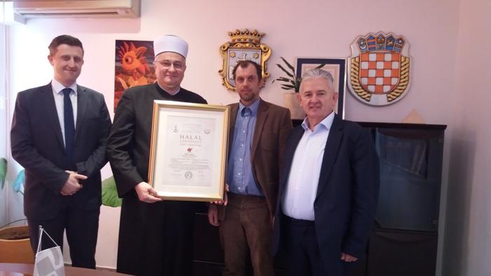 Aldin Dugonjić. muftija dr. Aziz Hasanović, Viktor Novak, Romeo Radić