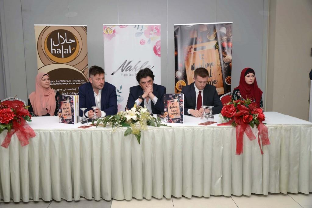 Promocija-prve-Halal-kuharice-03